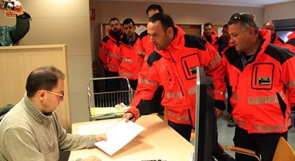 Comandaments de Bombers Voluntaris de la Regió d'Emergències de Tarragona presentant la seva dimissió.